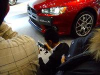 福岡モーターショー2007 三菱 コンパニオン ローアングル.jpg